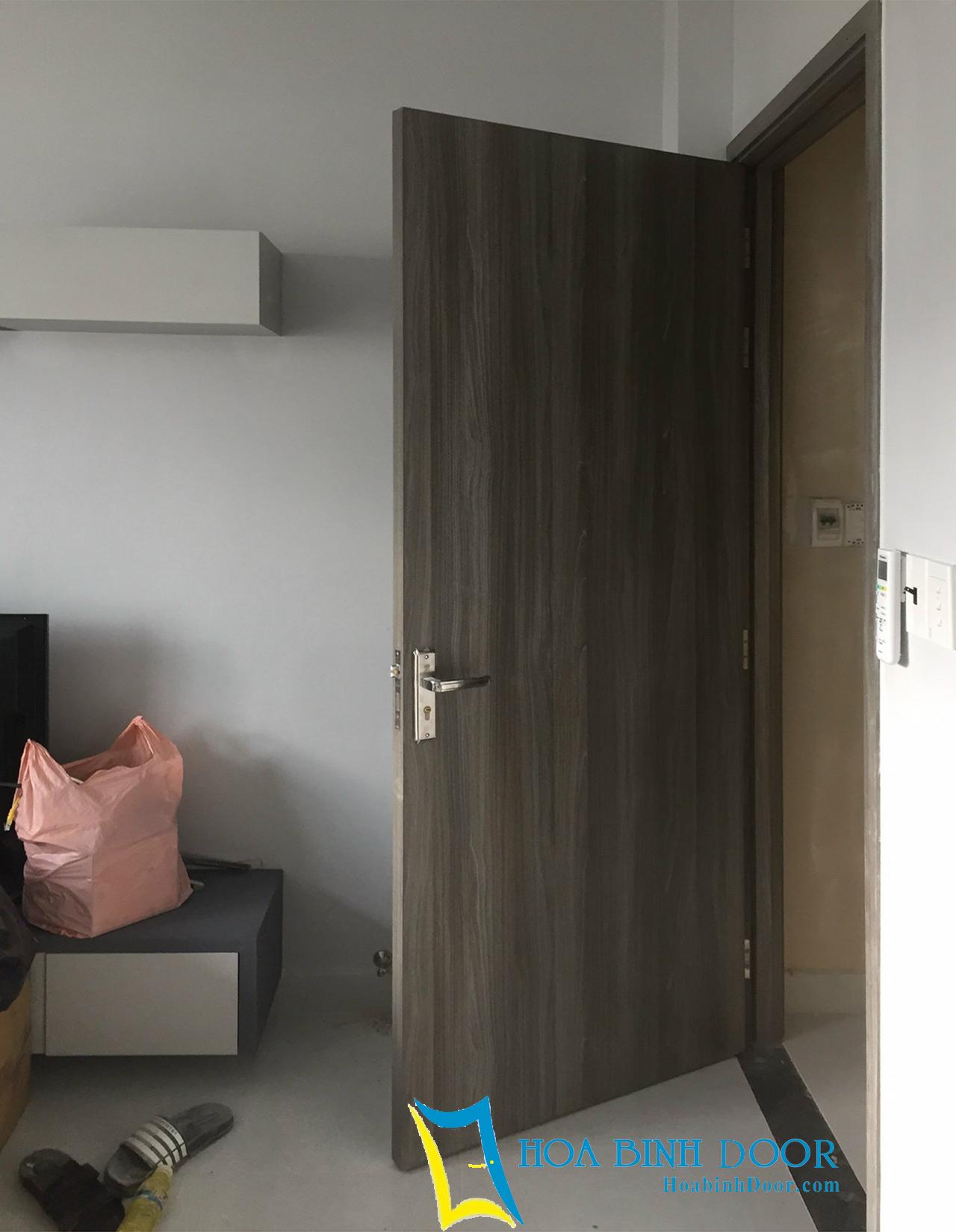 cửa phòng ngủ nhựa composite